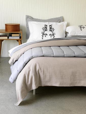 Gorgi Old World Natural Linen and Pinstripe Quilt